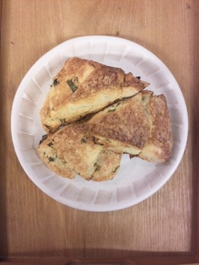 低糖質☆大豆粉スコーン(バジル&チーズ)
