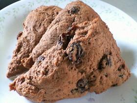 ビニール袋でチョコレーズンのスコーン。